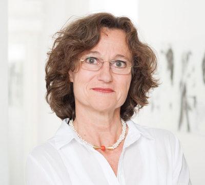 Dr. med. Andrea Baumann-Müller – Frauenärztin Dr. Baumann-Müller ist Fachärztin für Frauenheilkunde und Geburtshilfe und seit 1999 Inhaberin der Frauenarztpraxis